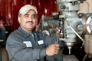 Hydraulic Cylinder Repair Tech